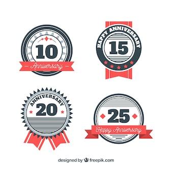 Conjunto de etiquetas de aniversario en estilo plano