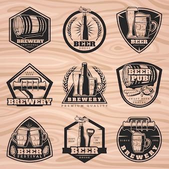 Conjunto de etiquetas de cervecería negra