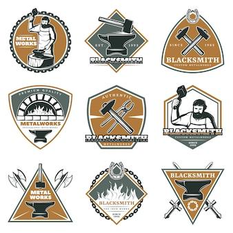 Conjunto de etiquetas coloridas de metalurgia vintage
