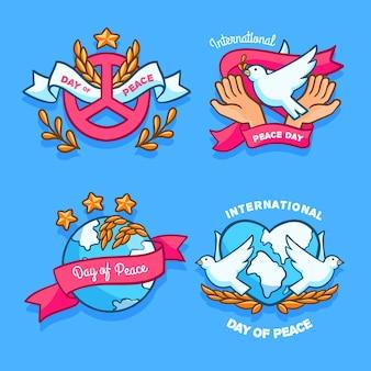 Conjunto de etiquetas del día internacional de la paz dibujadas a mano