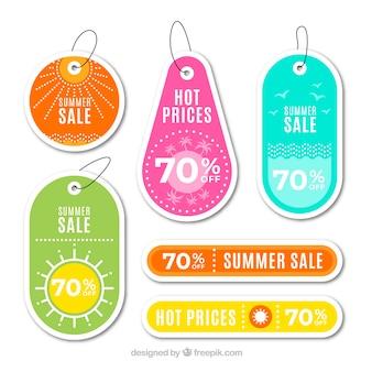 Conjunto de etiquetas de verano de venta con elementos de vacaciones