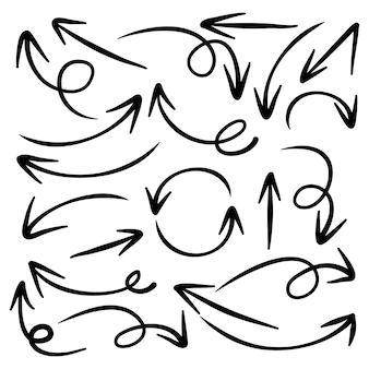 Conjunto de flechas dibujadas a mano .doodle elementos de diseño.