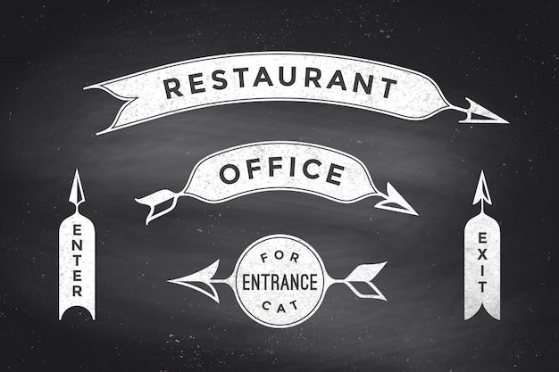 Conjunto de flechas vintage y pancartas con inscripción restaurante, oficina