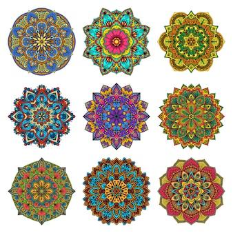 Conjunto de flores patrón mandala.