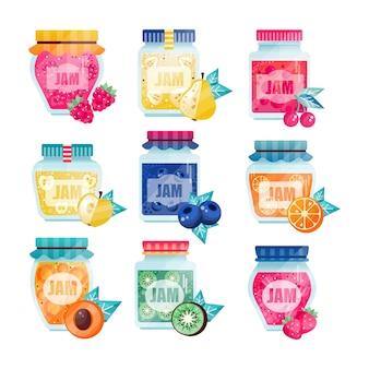 Conjunto de frascos de vidrio con mermelada de frutas y bayas