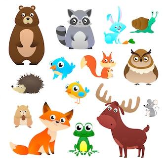 Conjunto grande de animales del bosque en estilo de dibujos animados, aislado sobre fondo blanco.