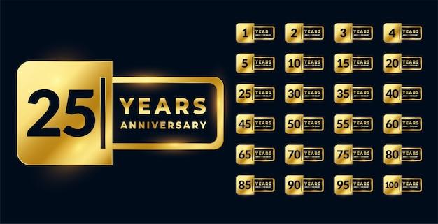 Conjunto grande de etiquetas de insignia dorada de aniversario