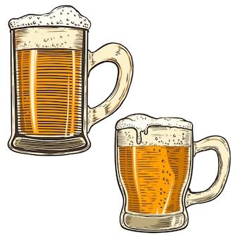 Conjunto de ilustraciones de jarras de cerveza dibujadas a mano sobre fondo blanco. elemento para cartel, tarjeta, menú, banner, flyer. imagen