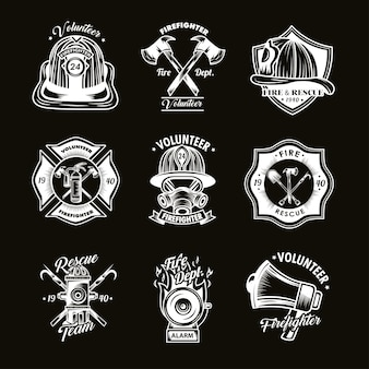 Conjunto de insignias de bombero.
