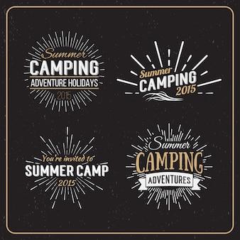 Conjunto de insignias vintage de campamento de verano y otros logotipos, emblemas y etiquetas al aire libre.