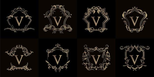 Conjunto de logotipo inicial con adorno de lujo o marco de flores