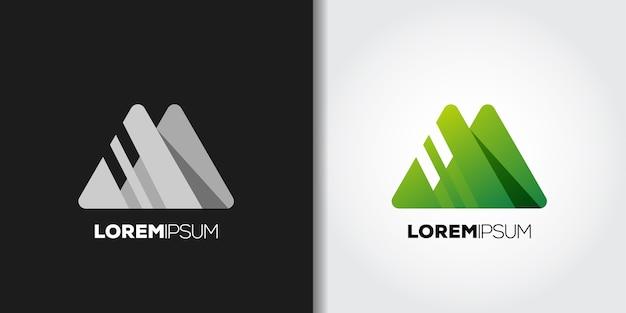 Conjunto de logotipo de montaña geométrica