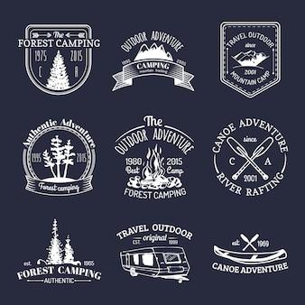 Conjunto de logotipos de camping vintage.