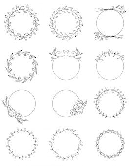 Conjunto de marcos redondos florales dibujados a mano.