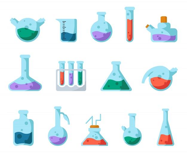 Conjunto de matraces de laboratorio, vaso medidor y tubos de ensayo para diagnóstico, análisis, experimento científico.