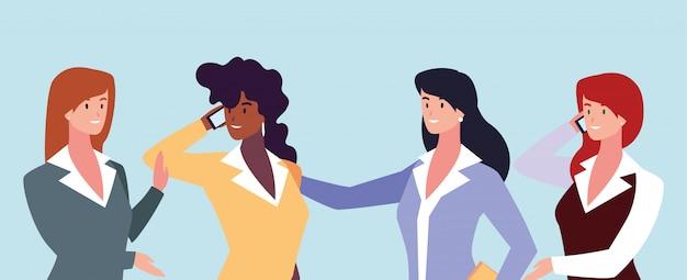 Conjunto de mujeres empresarias con diferentes puntos de vista, poses y gestos.