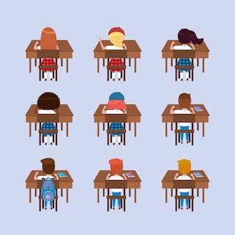 Conjunto de niñas y niños estudiantes en los escritorios.