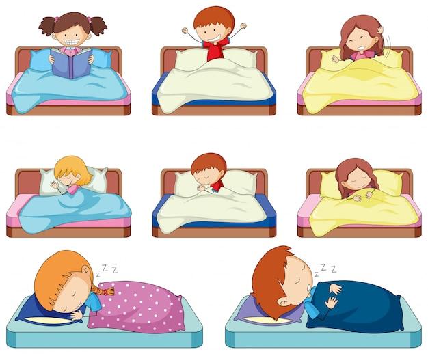 Conjunto de niños doodle en la cama