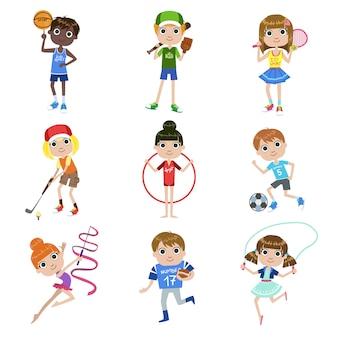 Conjunto de niños haciendo deportes