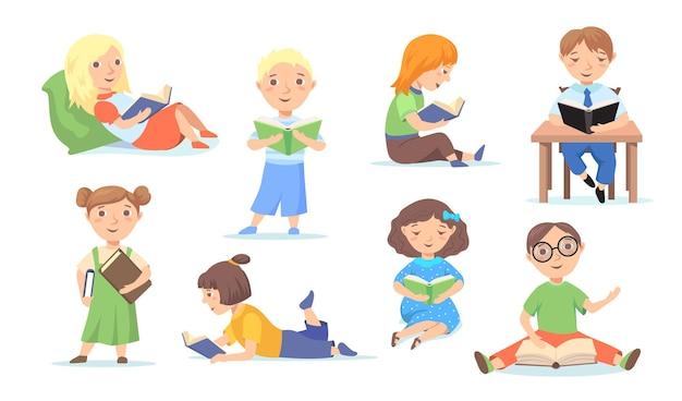 Conjunto de niños leyendo o estudiando en la escuela, en casa. ilustración plana de dibujos animados