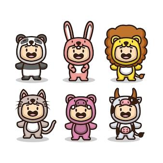 Conjunto de niños lindos con disfraces de animales.