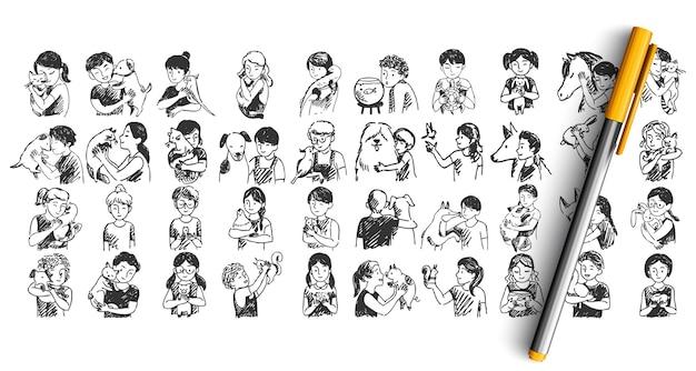 Conjunto de niños con mascotas doodle aislado en blanco