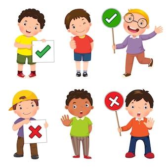 Conjunto de niños sosteniendo y haciendo carteles correctos e incorrectos.