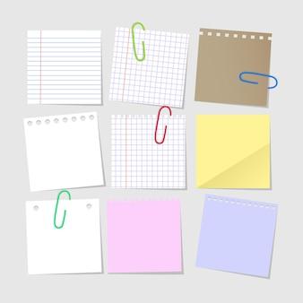 Conjunto de notas de papel vacías realistas aisladas