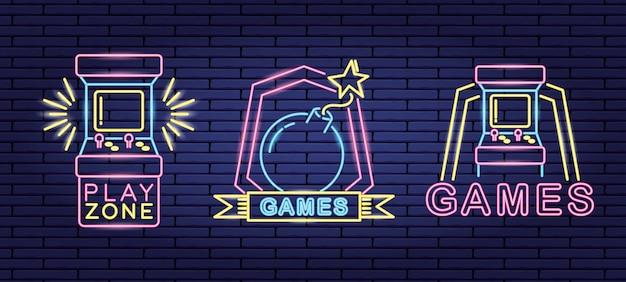 Conjunto de objetos relacionados con videojuegos en neón y estilo lienal