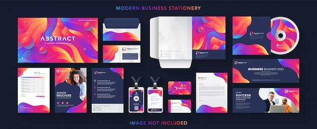 Conjunto de papelería de marca profesional de negocios corporativos