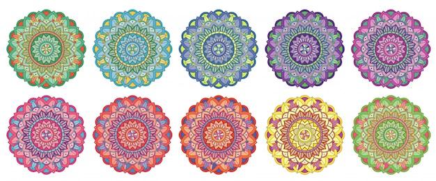 Conjunto de patrones de mandala en diferentes colores.