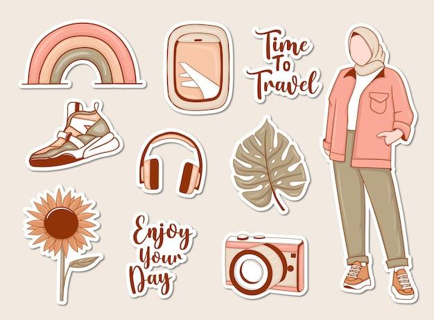 Conjunto de pegatinas de viaje moderno con niña musulmana y algunos elementos