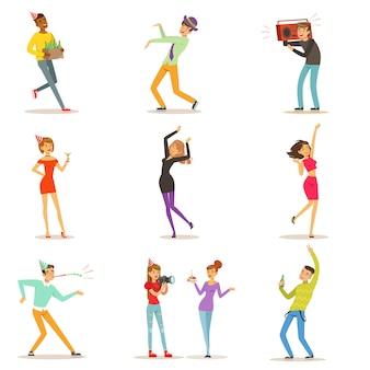 Conjunto de personajes coloridos ilustraciones sobre fondo blanco.