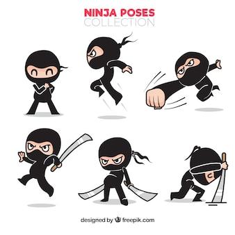 Conjunto de personajes de ninja tradicionales dibujados a mano