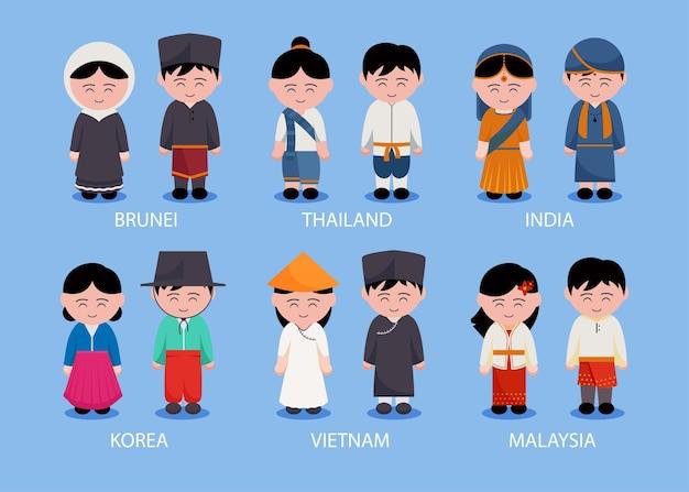 Conjunto de personas regionales asiáticas con ropa en personajes de dibujos animados, ilustración plana aislada