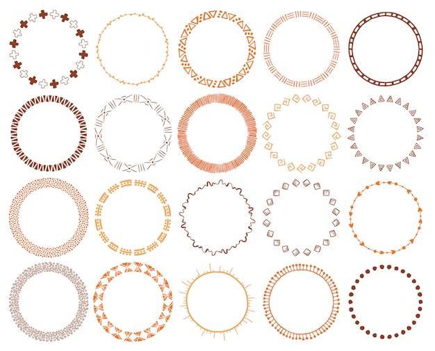 Conjunto de pinceles étnicos dibujados a mano.