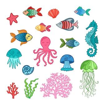 Conjunto de plantas y animales submarinos dibujados a mano.
