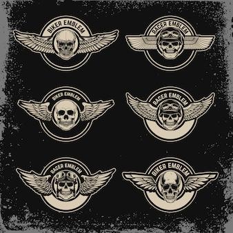 Conjunto de plantilla de emblemas con alas y calavera. para logotipo, etiqueta, insignia, letrero. imagen