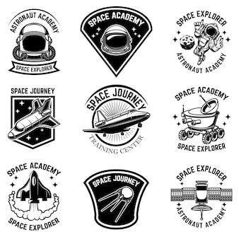Conjunto de plantillas de etiquetas de campamento espacial. elemento de diseño de logotipo, etiqueta, letrero, cartel, camiseta.