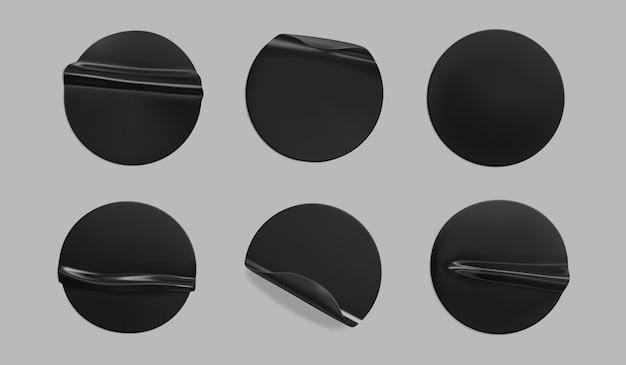 Conjunto de plantillas de pegatinas arrugadas redondas pegadas en negro