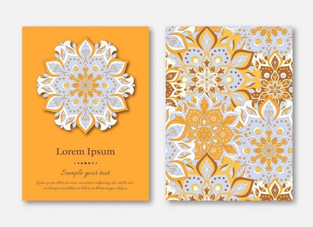 Conjunto de plantillas de tarjetas con patrón de mandala dibujado a mano. estilo oriental vintage.