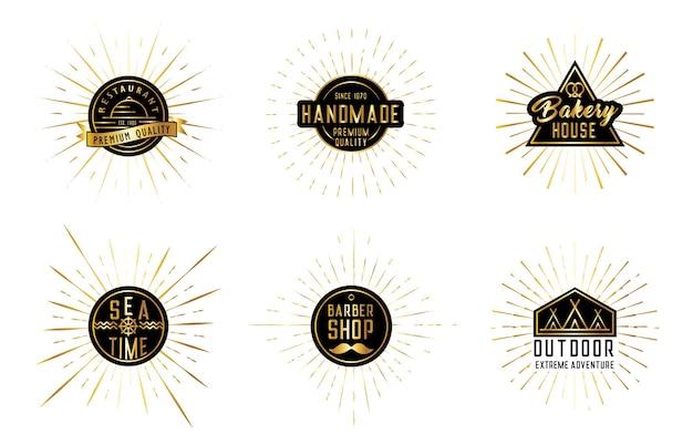 Conjunto de rayos de sol aislados con elementos de diseño de logotipo sobre un fondo blanco.