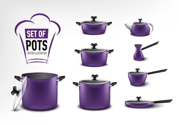 Conjunto realista de electrodomésticos de cocina púrpura, ollas de diferentes tamaños, cafetera, turco, cacerola, sartén, hervidor