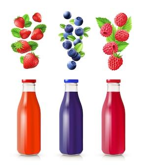 Conjunto realista de jugo de bayas con botellas y bayas aislado ilustración vectorial