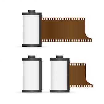 Conjunto de rollo de película de cámara aislado sobre fondo blanco.
