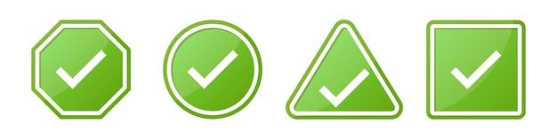 Conjunto de signo de verificación en diferentes formas en verde