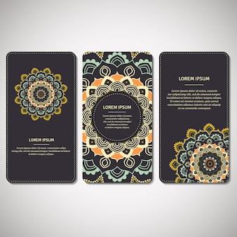Conjunto de tarjetas ornamentales, volantes con mandala de flores en azul oscuro