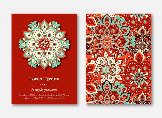 Conjunto de tarjetas, volantes, folletos, plantillas con manda dibujado a mano