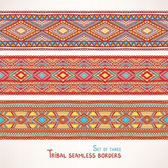 Conjunto de tres hermosas fronteras tribales sin costura con triángulos y rombos