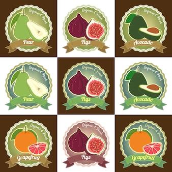 Conjunto de varias insignias y etiquetas de calidad premium de frutas frescas.